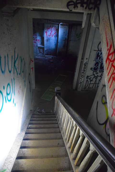 Haunted, house, manor, plantation, home, mansion, abandoned, forest, jungle, Maunawili, Oahu, Hawaii, Ranch, Boyd, Irwin, Creepy, Scary, stairs of doom