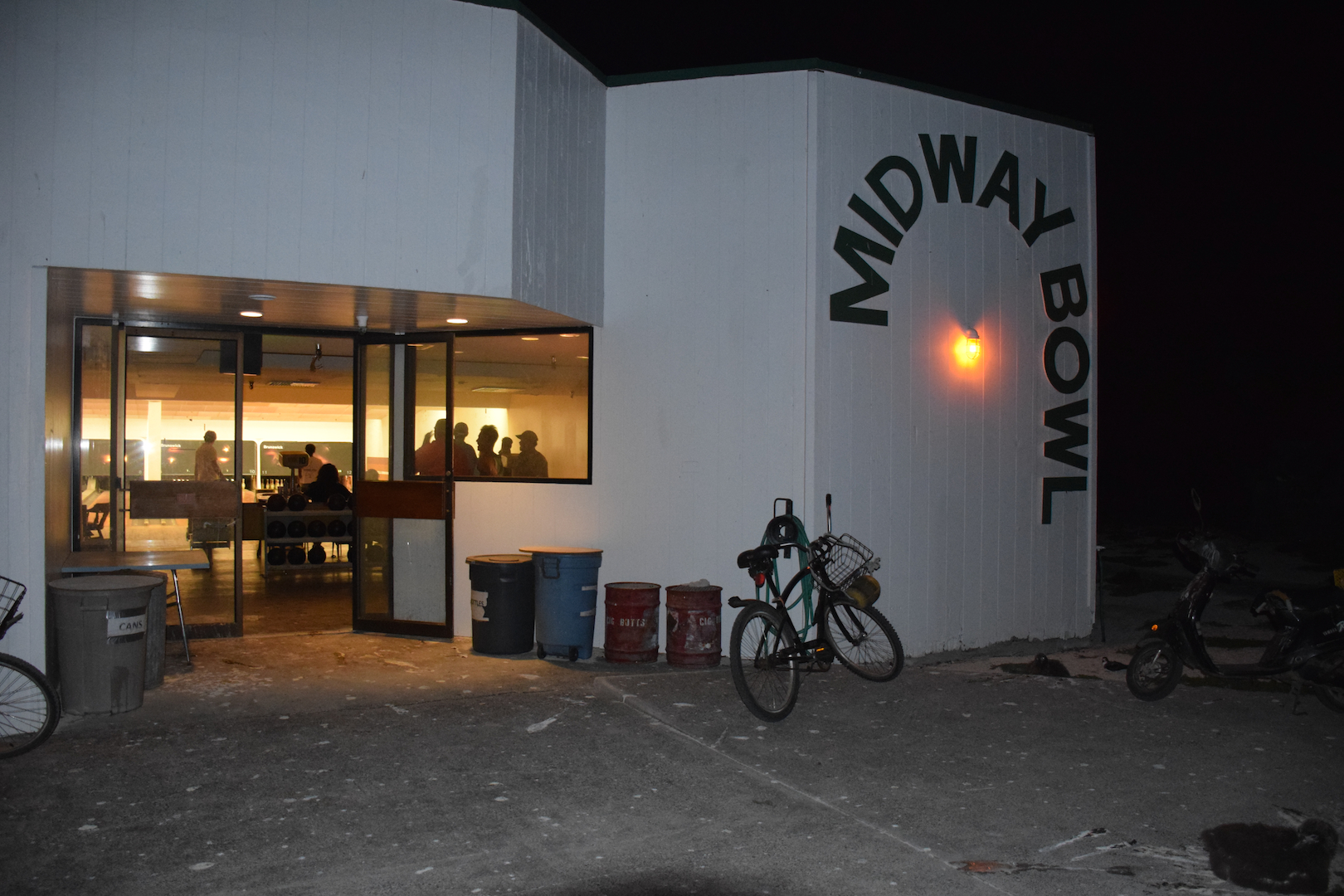 Midway Bowl, bowling alley, Atoll, Northwestern Hawaiian Islands