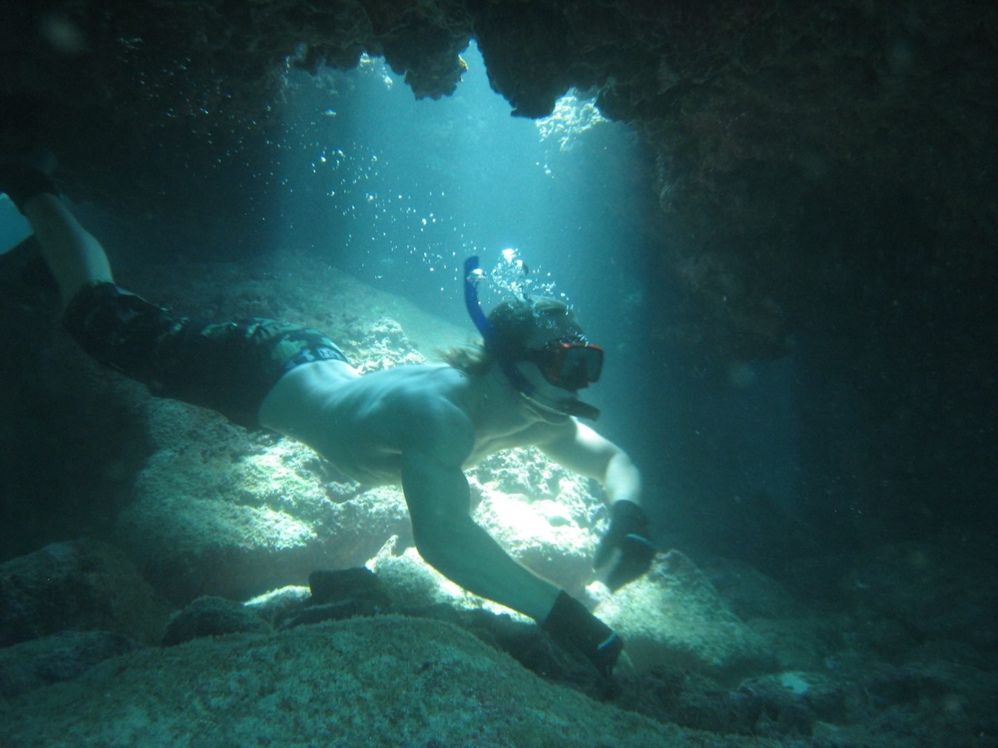 Free, Diving, Cave, snorkeling, north, shore, Oahu, Hawaii, neptune, poseidon, broseidon, apnea
