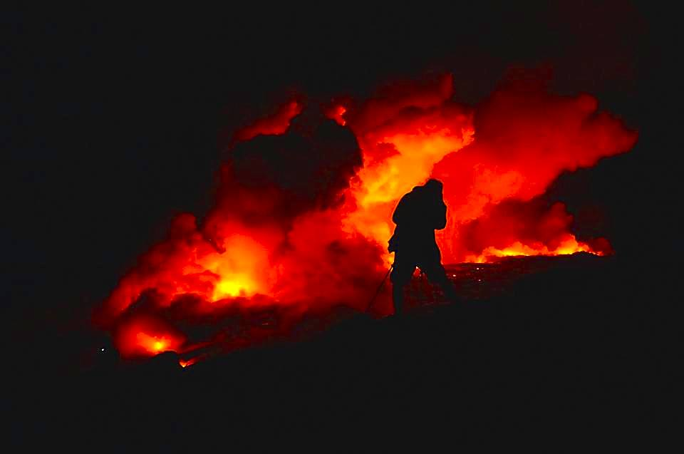 Trek, hike, photography, adventure, exploration, Volcano, volcanoes national park, Hawaii, big, island, kilauea, kalapana, lava, dried, rock, igneous, magma, melting, hot, fire, eruption, 61g, east rift zone, surface, breakout, active, lava tube, glow, bright, fire, photography