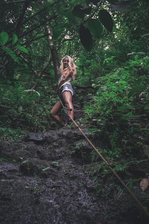 Oahu, Hawaii, Girl, rock climbing, rope, climbing